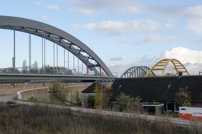 Bouw 2e spoorbrug Hogeweide