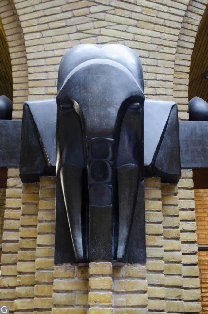 interieur postkantoor Neude, beeld olifant