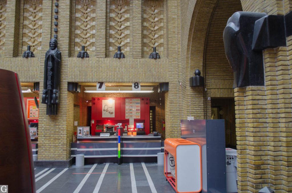 interieur postkantoor Neude, loketten 7-8